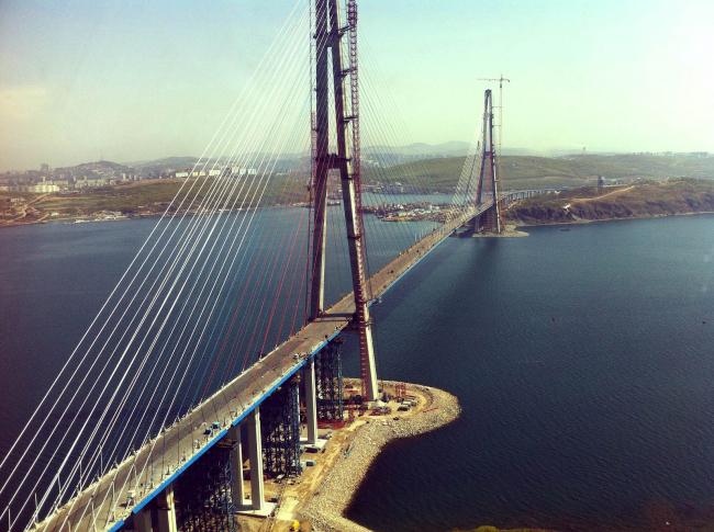 Мост «Русский». НПО «Мостовик». Источник: ostrov-russkiy.ru