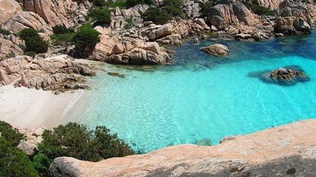 Национальный парк Ла-Маддалена в Италии. Фото: www.ecosportsardinia.it