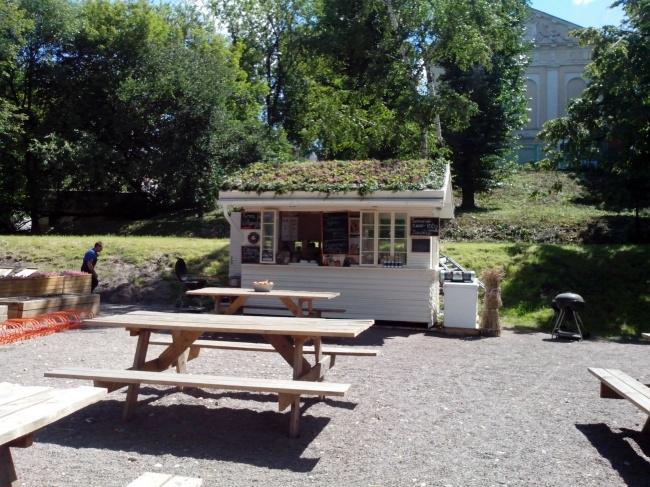 Кафе-клумбы в Парке Горького. Фотография предоставлена компанией «ЦинКо РУС»