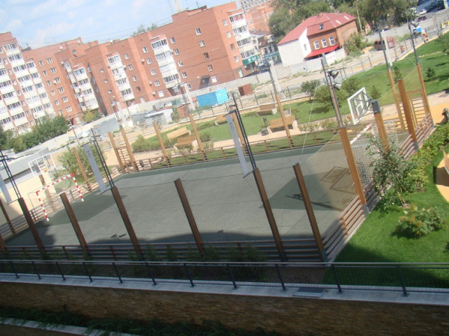 Cпортивно-оздоровительный комплекс. Кровля на стилобате подземного гаража. Фотография с сайта zinco.ru/ekaterinburg.php