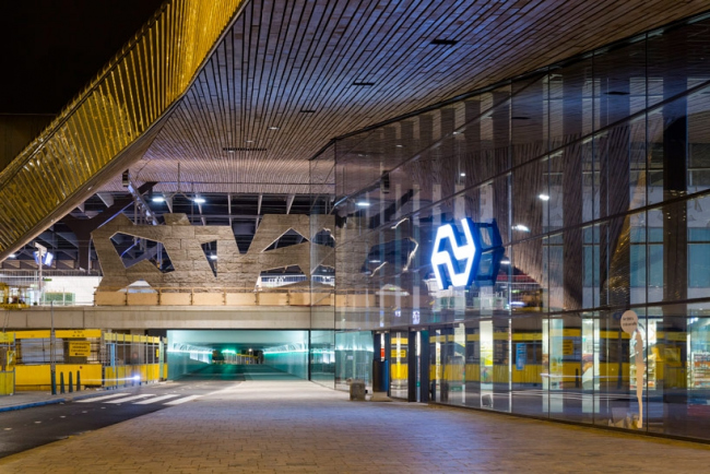 Вокзал Rotterdam Centraal © Jannes Linders