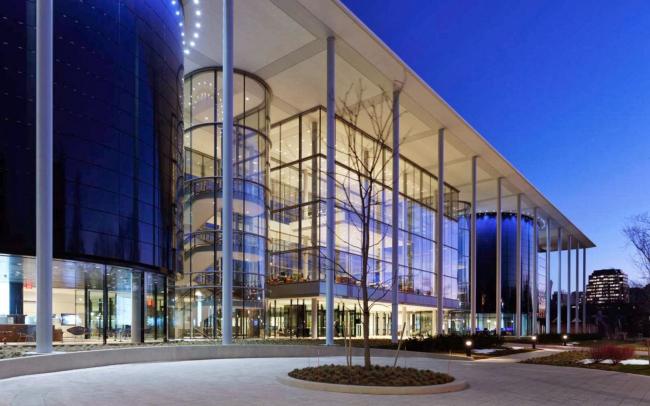 Школа управления Йельского университета – корпус Эдварда П. Эванса © Foster + Partners