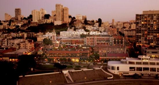 Реконструированный комплекс фабрики Ghirardelli в Сан-Франциско - один из положительных примеров в книге Рыбчинского