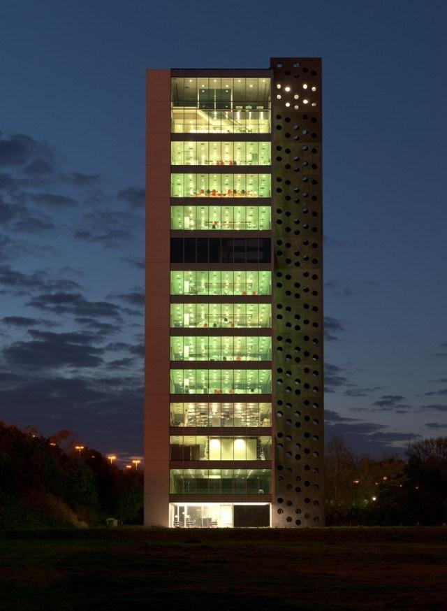 Башня Elishout Kitchen Tower в Андерлехте (Брюссель). 2003-2011. Фото: Frans Parthesius © XDGA