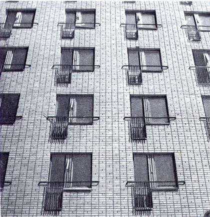 Рис. 16. Пример устройства французских балконов. Многоквартирный жилой дом. Г. Тольятти.
