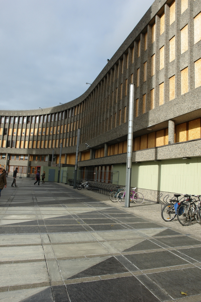 Корпус правительственного квартала Осло. Сентябрь 2013. Фото: Нина Фролова
