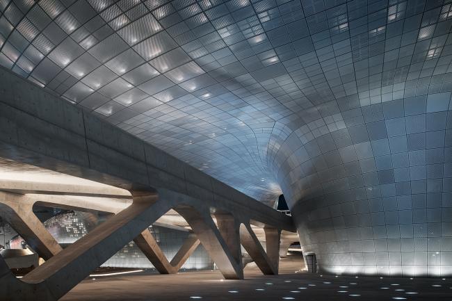 Комплекс Dongdaemun Design Park and Plaza © Virgile Simon Bertrand
