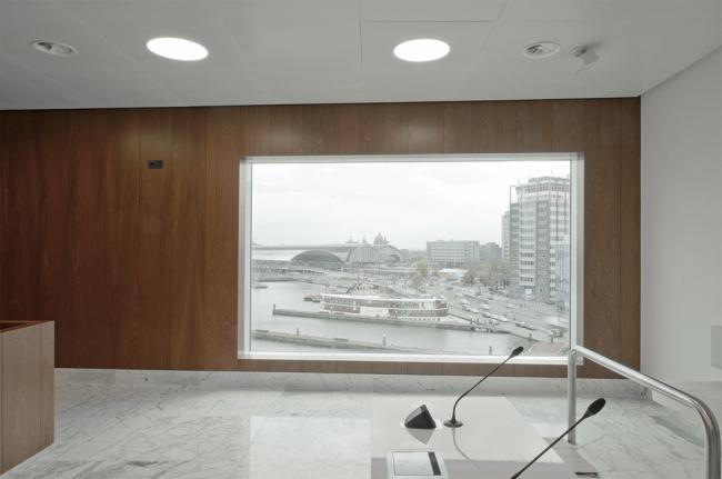 Комплекс IJdock. Claus & Kaan. Дворец правосудия и корпус прокуратуры. Фото: Sebastian van Damme © Claus en Kaan Architecten