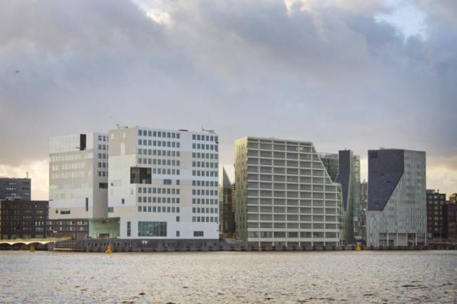 Комплекс IJdock. Прокуратура, жилье, офисы (слева направо) © SeARCH