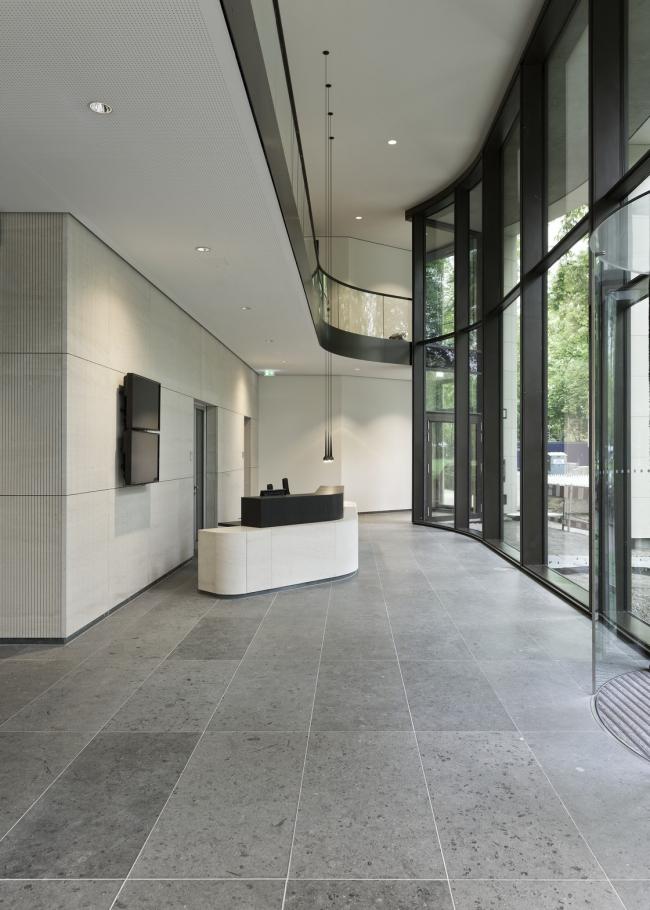 Офисное здание Tesdorpfstrasse 8 © Heiner Leiska