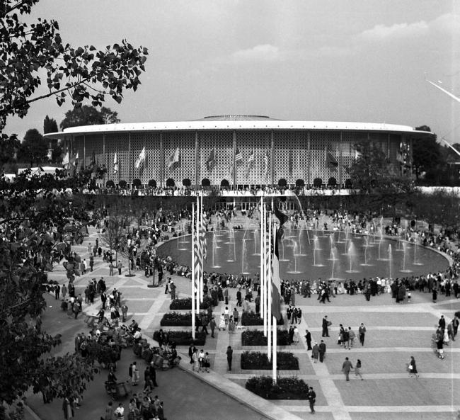 Павильон США на Всемирной выставке в Брюсселе в 1958. Изображение предоставлено Анной Броновицкой