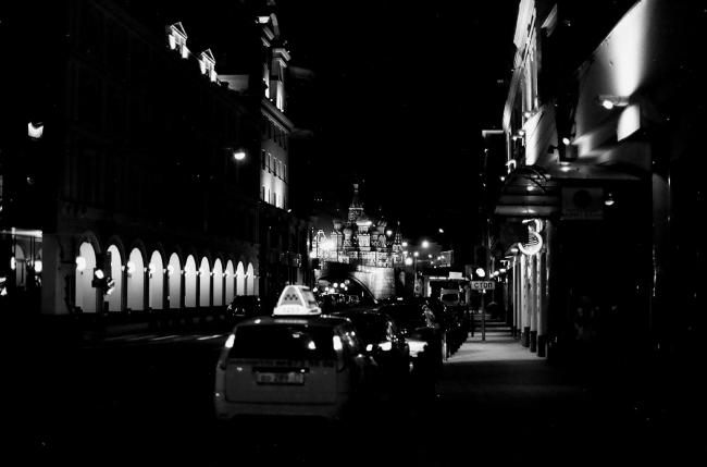 Легальное московское такси. Из презентации Виталия Авдеева. Проект «Ночная мобильность». Первоисточник: сайт Flickr, пользователь Timur Dubinin