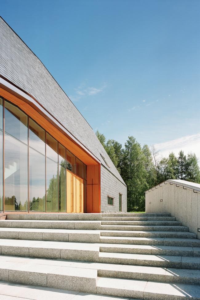 Церковь Куоккала Lassila Hirvilammi Architects в Ювяскюля. Фото: Jussi Tiainen