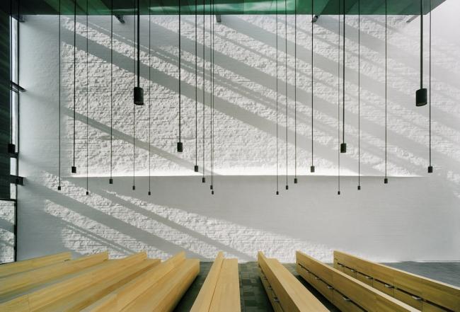 Часовня Св. Лаврентия Avanto Architects в Вантаа. Фото: Jussi Tiainen