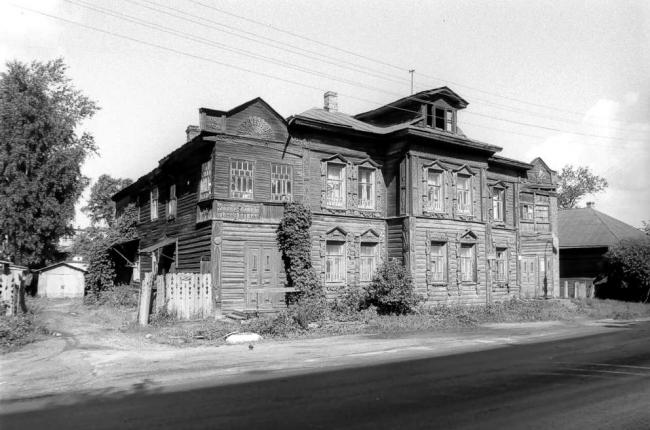 Дом Шахова в 1996 году. Фотография из книги У. Брумфильда