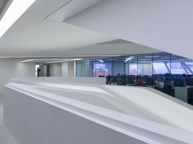 Корпус Jockey Club Innovation Tower Гонконгского политехнического университета. Фото © Virgile Simon Bertrand