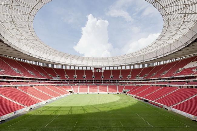 Национальный стадион Бразилии «Манэ Гарринча» © Marcus Bredt
