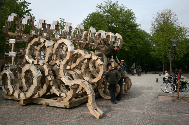 Ландшафтный объект Николая Полисского «Блестящая мысль». Фотография с сайта nikola-lenivets.com