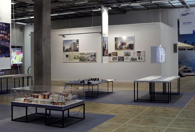 Экспозиция «Кварталы. Российский опыт» (куратор Барт Голдхоорн). Фотография Юлии Тарабариной