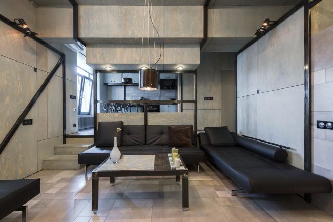 Номинация «Интерьер»–фанерная квартира Алексея Розенберга–выбор жюри. Фотография Виктора Чернышева.