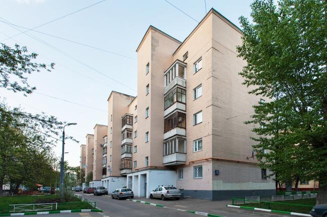 Дом с магазином «Три поросенка». Фотография: Наталия Меликова