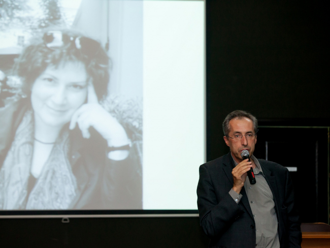 Сергей Чобан попросил собравшихся почтить память Ирины Шиповой минутой молчания. Фото Надежды Дудник