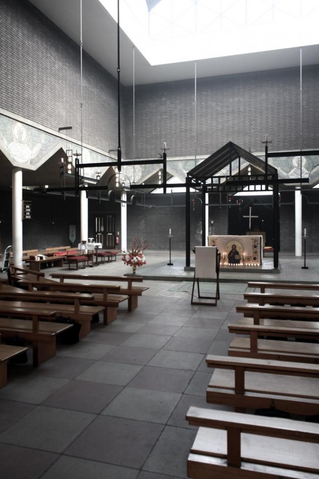 Церковь Боу Коммон. Фото:  Jason John Paul Haskins http://locusiste.org https://flic.kr/p/dutCVS