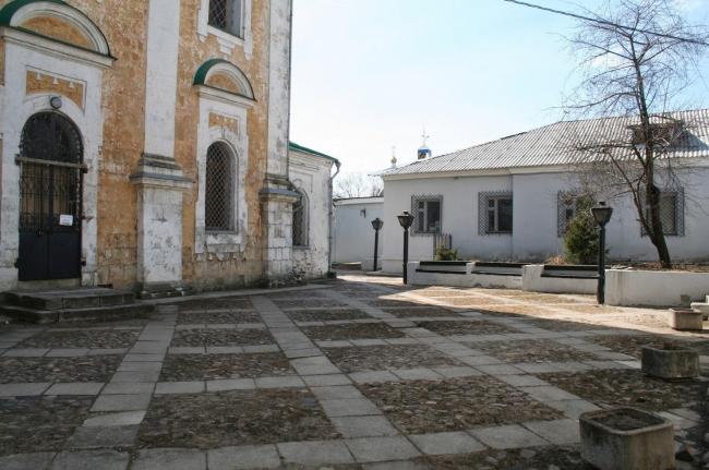 Вымостка у церкви Георгия. Часть альтернативного пешеходного маршрута. Фотография: vladimir-city.blogspot.ru