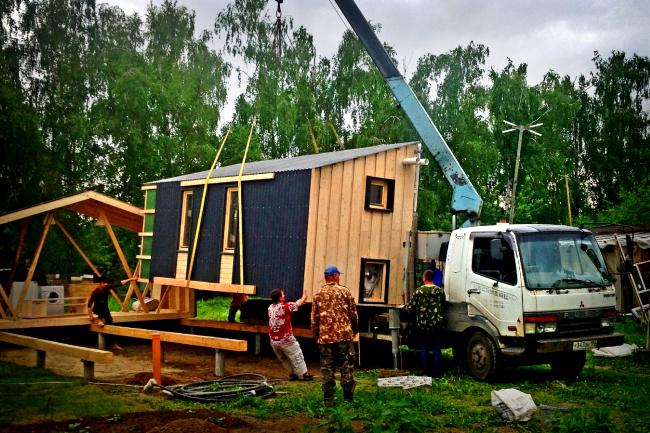 ДубльДом в процессе установки. Фотография предоставлена Иваном Овчинниковым