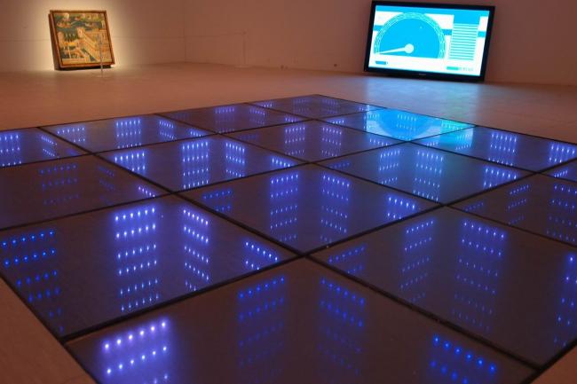 «Энергетический пол», вырабатывающий энергию танцующих на нем людей. Установлен на одной из роттердамских дискотек © Нина Фролова