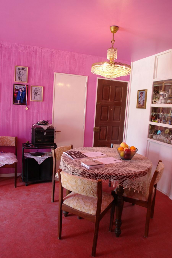 Павильон Чили. Реконструкция подлинной комнаты в панельном доме. Фото Нины Фроловой