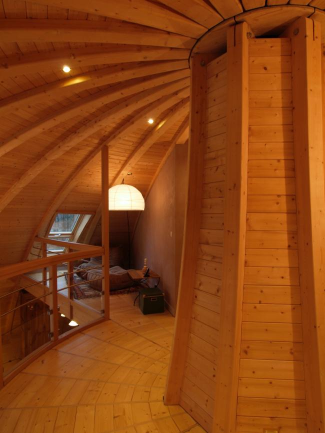 Вращающийся дом Domespace в Лионе. Купольные конструкции в интерьере©www.domespace.ru