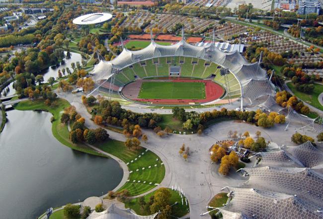 Фрай Отто. Гюнтер Бениш. Георг Шлайх. Олимпийский комплекс в Мюнхене. 1972. Фото: Softeis via Wikimedia Commons
