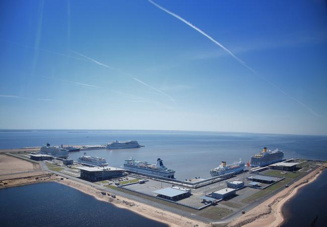 Морской пассажирский терминал © «А.Лен»