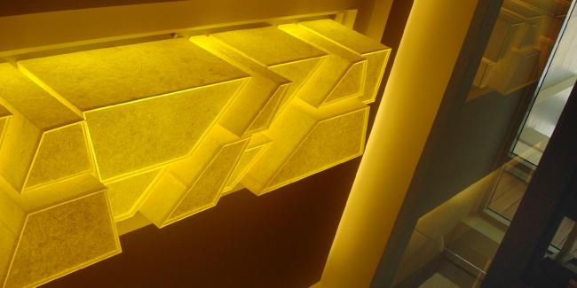 Авторский плафон освещения в интерьере загородного жилого дома. Архитектурное бюро «Четвертое измерение»