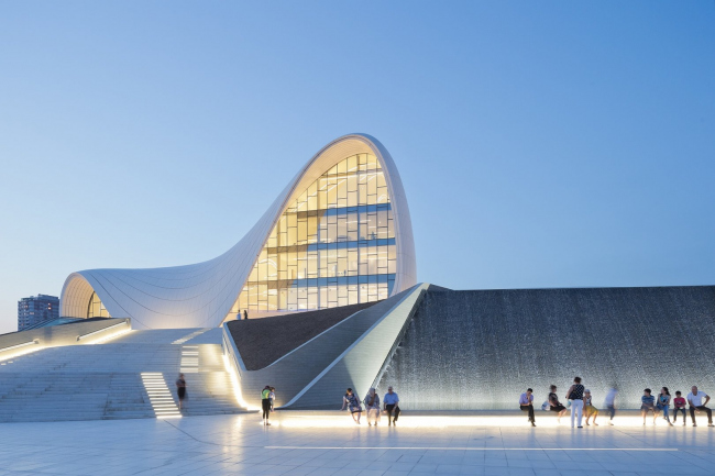 Культурный центр Гейдара Алиева. Изображение: zaha-hadid.com