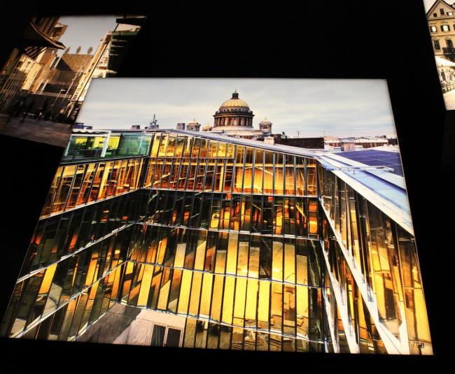 Экспозиция в павильоне Италии. Деловой центр Quattro Corti бюро Piuarch в Санкт-Петербурге. Фото © Анна Вяземцева
