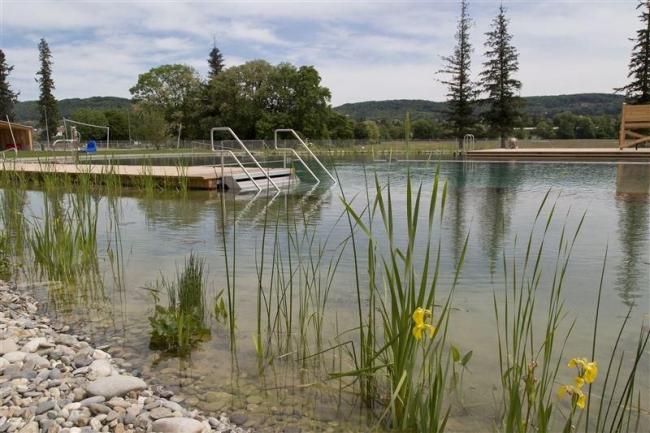 Бассейн Naturbad в Риэне ©  Helen Schneider, Naturbad Riehen
