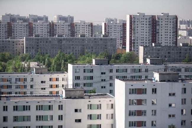 Повторяемость как базовый принцип организации района Беляево на градостроительном и архитектурном уровнях. Фотография Макса Авдеева из книги «Беляево навсегда»