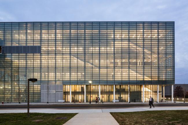 Бизнес-школа университета Ратгерс на кампусе Ливингстон © Peter Aaron