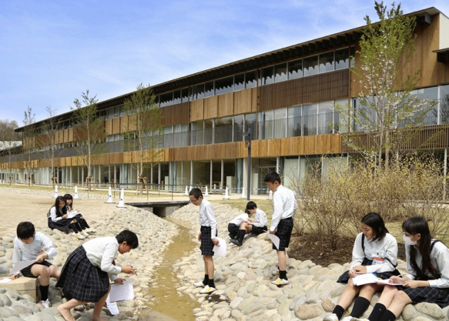 Начальная школа университета Тэйкё © Edmund Sumner