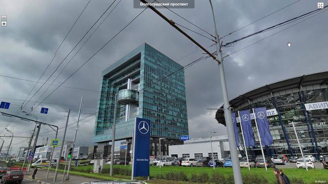 Здание рядом с ТСЦ «Авилон» компании «Мерседес-Бенц» © maps.yandex.ru