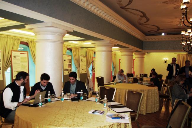 Пресс-конференция в колонном зале гостиницы «Украина». Фотография Аллы Павликовой