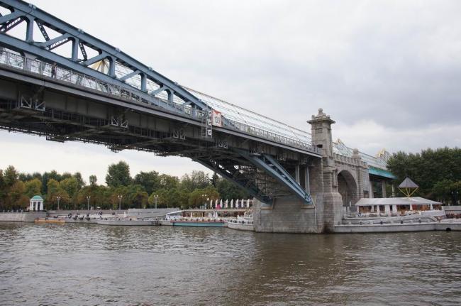 Андреевский (Пушкинский) пешеходный мост. Фото: Дмитрий Кремер