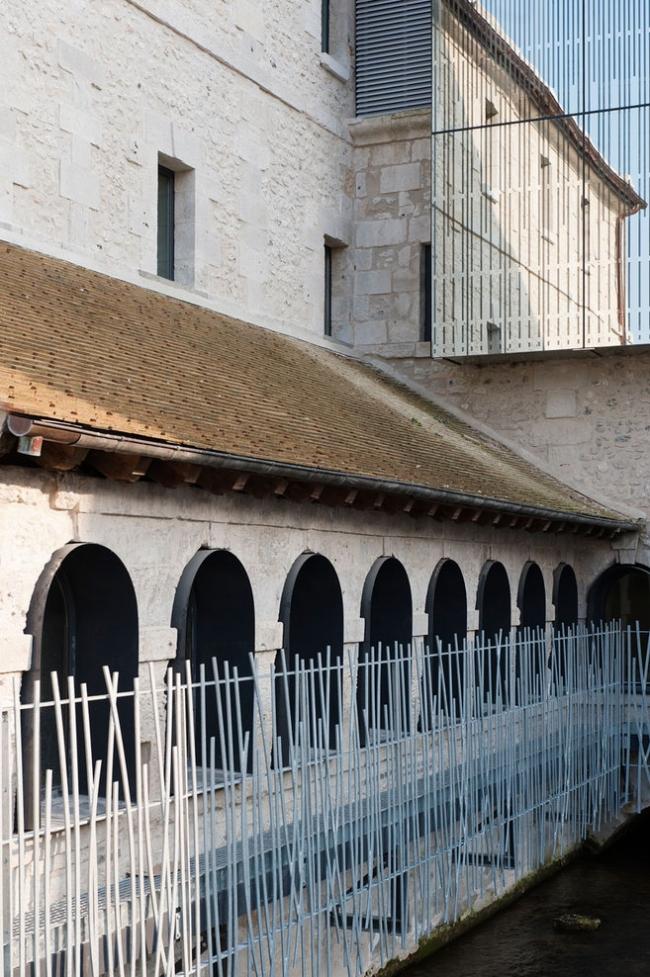 Музыкальная школа в бывшем монастыре Нотр-Дам-де-Консоласьон © Bruno Decaris