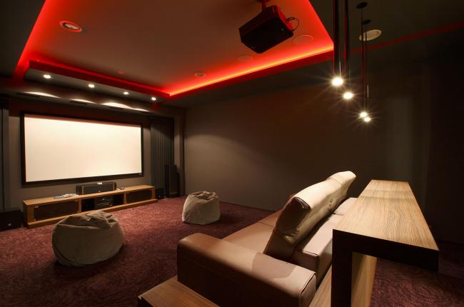 Подмосковный загородный дом. Кинотеатр ©Четвертое Измерение