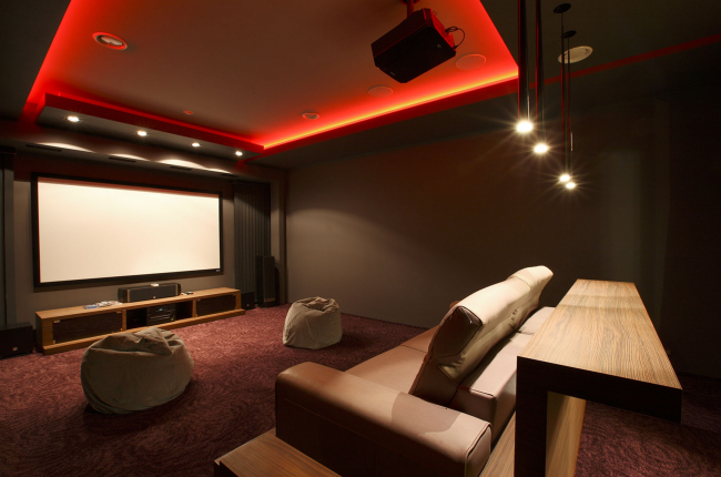 Country house in Moscow area. Movie theater © Fourth dimension