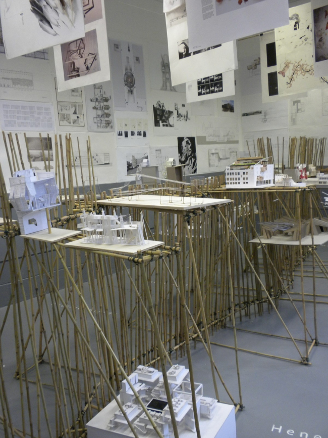 Выставка работ первокурсников. Фото © Руперт Шишко