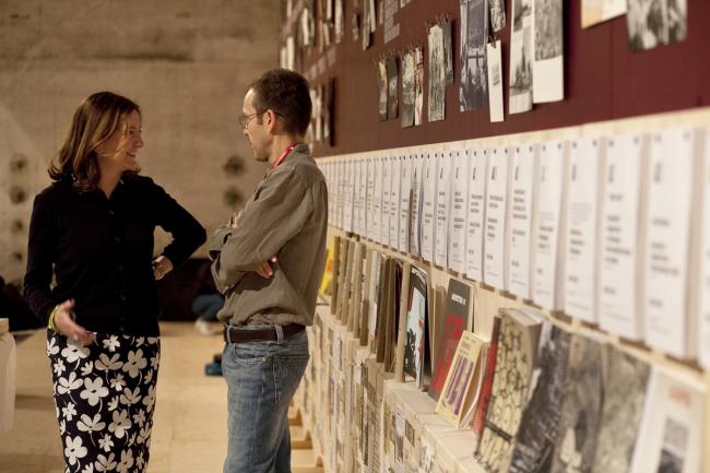Беатрис Коломина на своей выставке «Радикальная педагогика» на Венецианской биеннале-2014. Фото © Francesco Galli. Предоставлено Biennale di Venezia