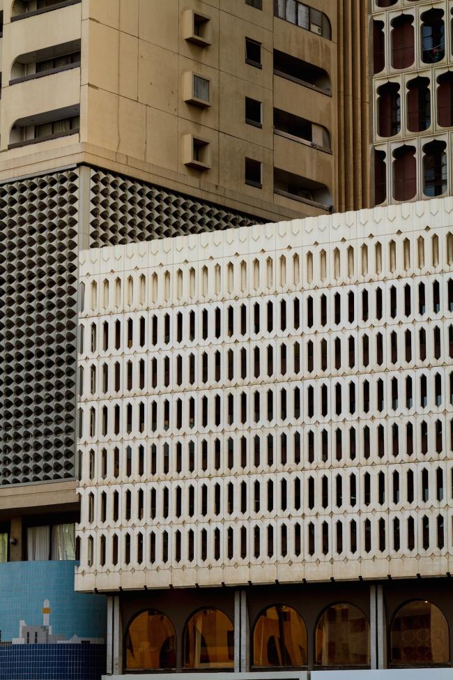 Deira Tower и другие здания на площади Банийас. Фото: Mirco Urban